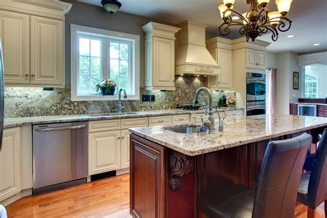 what is in style for kitchen cabinets kitchen cabinets maple glaze besto 9853
