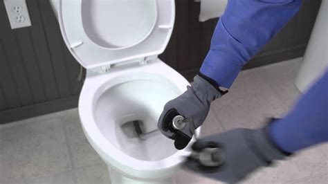 how to use a cobra toilet auger