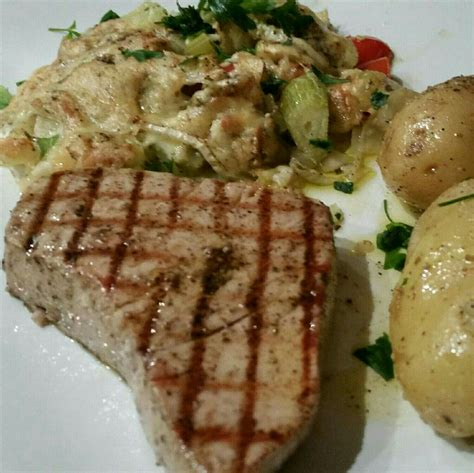 how to cook tuna steak on stove grilled tuna steak fennel in the oven recette de grilled tuna steak fennel in the oven by