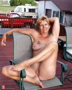 Horney Grannies Flashing Puss Zb Porn