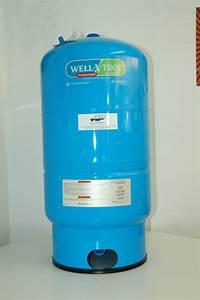 Reservoir D Eau : r servoir pression aqua pompes aqua mont r gienne inc ~ Dallasstarsshop.com Idées de Décoration