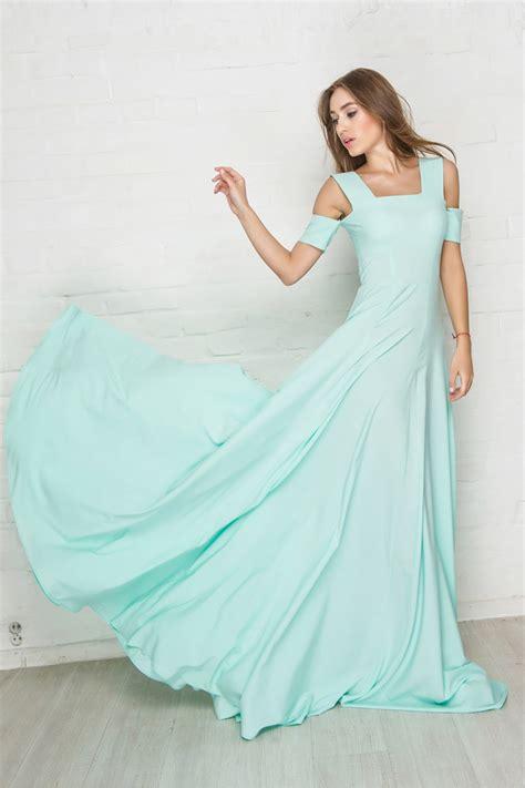 Купить женские вечерние платья в магазине KupiVip в интернетмагазине
