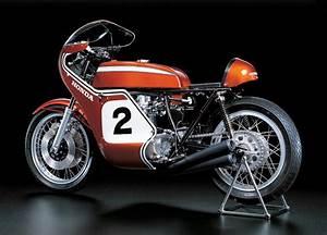 1/6 Honda CB750 Racing (Semi Assembled Premium Model)