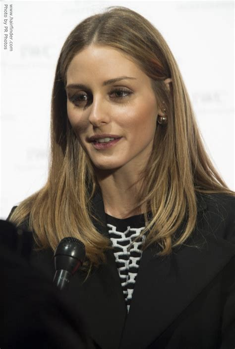 olivia palermo wearing  hair   sleek  simple shoulder length style
