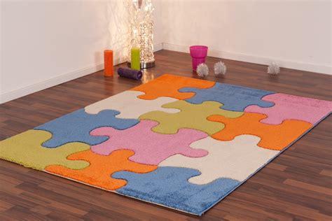 tapis cuisine pas cher tapis pour enfant play moderne puzzle bleu vert crème