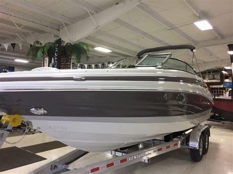 Crownline Boats Michigan by Crownline 255 Ss Boats For Sale In Michigan