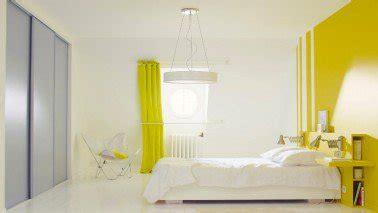decoration de peinture pour chambre la peinture jaune pour une chambre c 39 est chouette