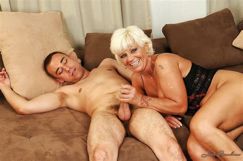 Lusty Mature Blonde Gets Her Bushy Twat Fingered And