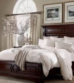 Master Bedroom White Furniture by Best 25 Dark Furniture Bedroom Ideas On Pinterest Dark