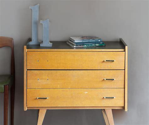 commode en bois de meuble r 233 cup relooker une commode avec la peinture