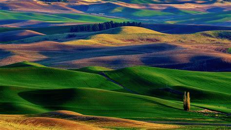 Amazing Colorful Hills  1600x900 609473
