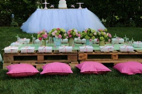 kids party table  pallets party girl themed