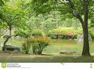 Plante Pour Jardin Japonais : lac plante verte arbre fleur dans le jardin japonais de ~ Dode.kayakingforconservation.com Idées de Décoration
