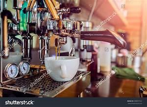 Machine A Cafe : professional coffee machine making espresso cafe stock ~ Melissatoandfro.com Idées de Décoration
