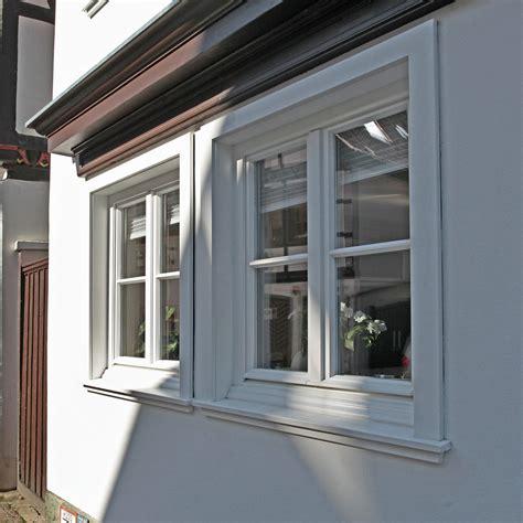 Fenster Sichtschutz Sprossenfenster by Wei 223 E Holz Sprossenfenster Mit Holzverkleidung F 252 R