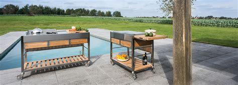 cuisiner avec l induction cuisine extérieure mobile cuisine extérieure design