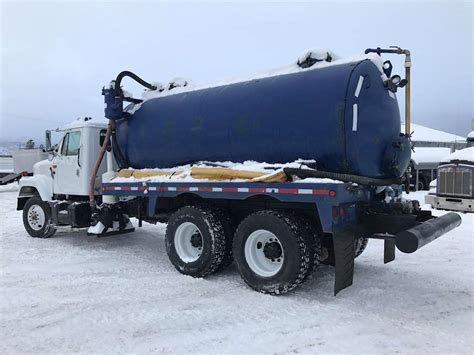 2000 International 2574 Vacuum Tank Truck For Sale