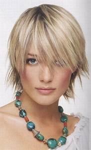 Coiffure Blonde Courte : coupe courte cheveux raides ~ Melissatoandfro.com Idées de Décoration