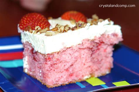 strawberry refrigerator cake crystalandcomp