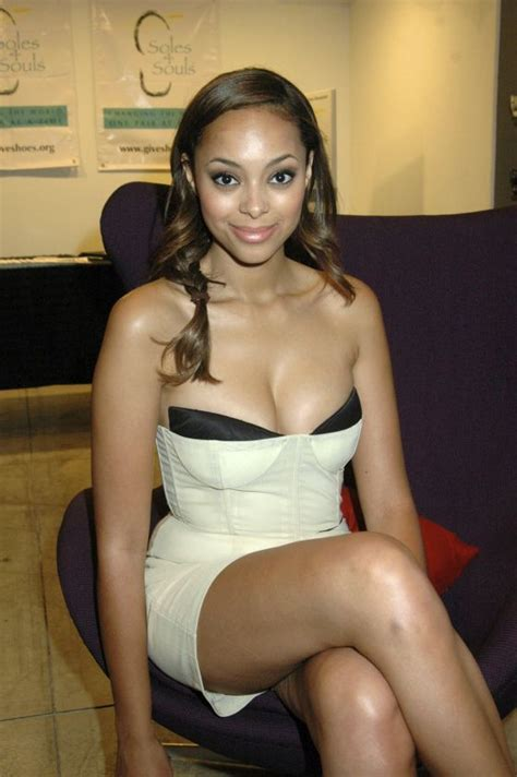 Todays Stars Best Images (18 Images)  Famous Nipple