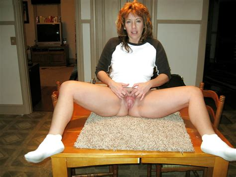Mature Amateur Bottomless 44 Pics