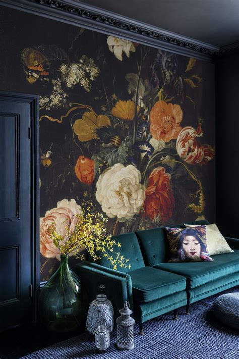 achieving  modern victorian style wall treatments