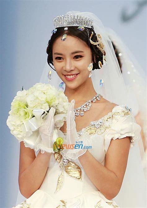 dunia korea biodata  foto hwang jung eum