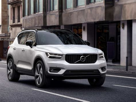 volvo xc price  volvo xc breaks cover  italy
