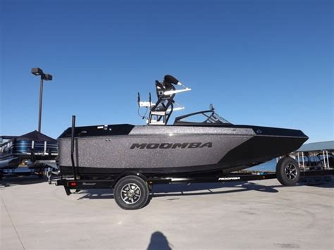 Moomba Helix Boat Reviews by Moomba Helix Review Boats