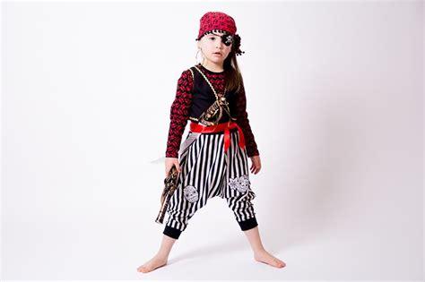 piratenkostüm selber machen die 25 besten ideen zu pirat schminken auf sparrow kost 252 m makeup