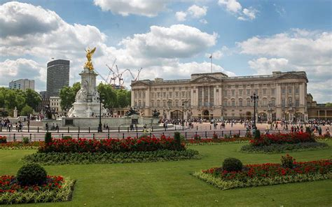 It has been a rallying point for the british people at times of national rejoicing and crisis. Buckingham Palace $457M Renovations to Begin in 2017