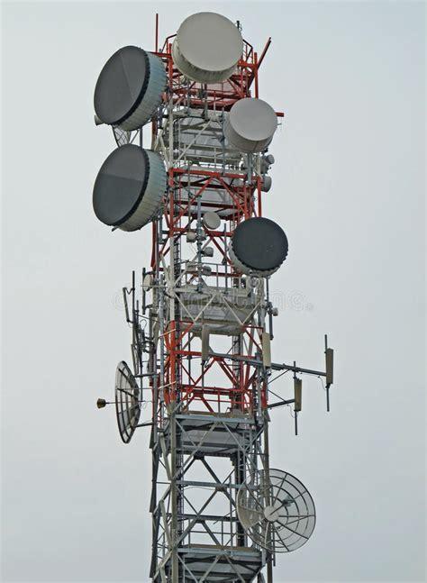 Traliccio Per Antenne - traliccio con l antenna per la ripetizione fotografia