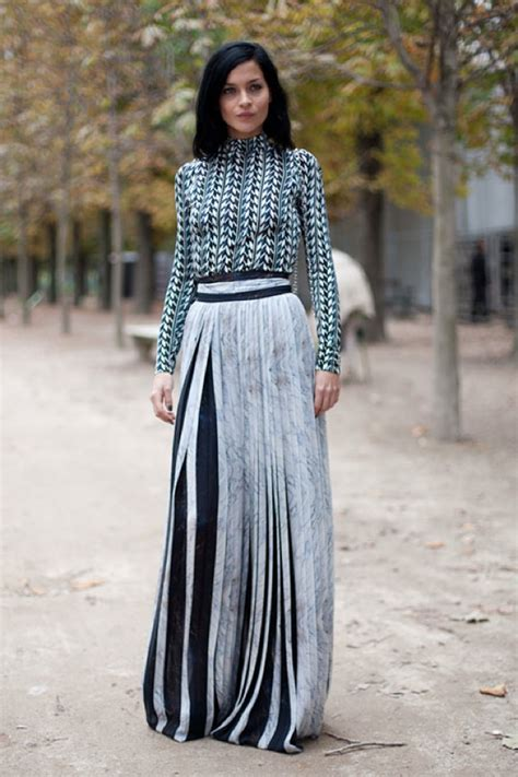 How to Style a Maxi Skirt for Fall   Lauren Messiah