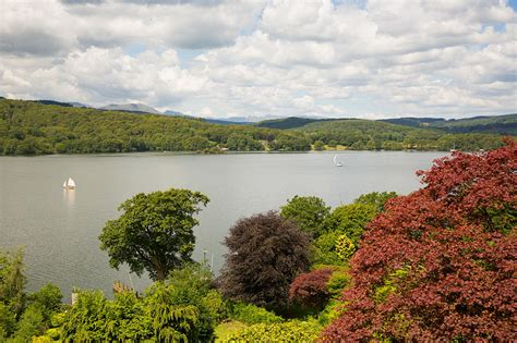 Sailing Boat Uk by Sailing Boats Windermere Lake District Cumbria Uk With