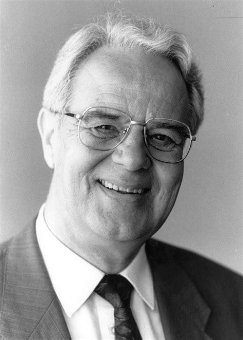 Karl Decker  Personensuche  Kontakt, Bilder, Profile & Mehr