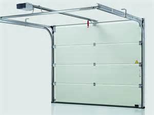 Porte de garage sectionnelle ternois fermetures for Porte de garage sectionnelle avec blinder une porte