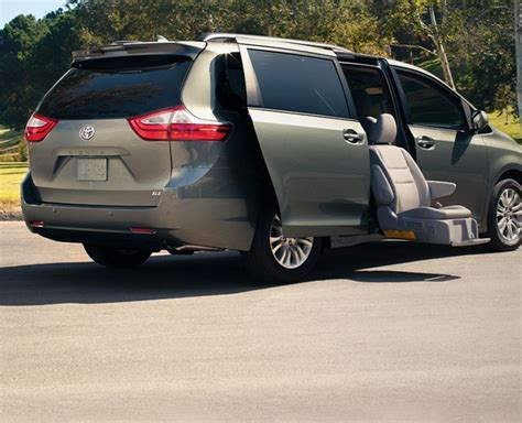toyota sienna mobility vehicles  sale  chicago