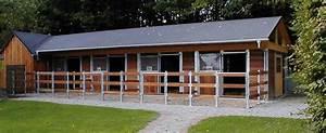 Pferdestall Aus Holz : sulzberger pferdeboxen stalleinrichtungen modulst lle 2 reihig st lle ~ Eleganceandgraceweddings.com Haus und Dekorationen