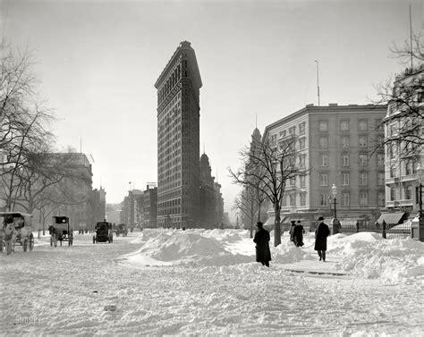 Detroit Publishing Company Flatiron Building Corner