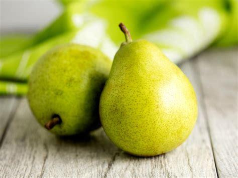 control  blood sugar level   fruits  people