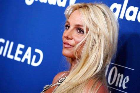 Britney Spears Has Checked Into A Mental Health