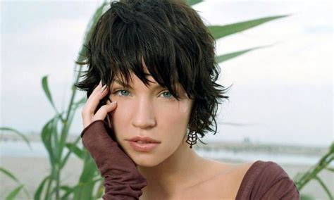 Haircuts for Women with Curly Hair   HairJos.com