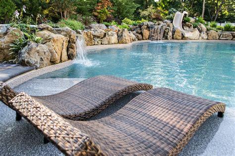 ground pool  spillover spa