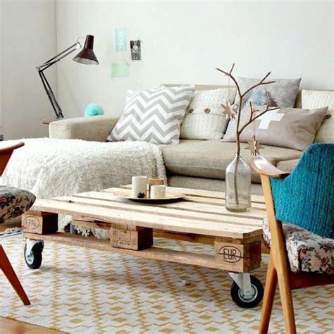 bon coin meuble de cuisine diy deco des palettes en bois deco transformées en lit tête de lit côté maison