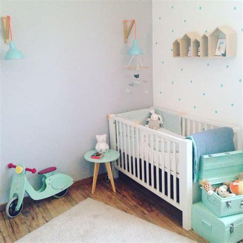 deco chambre bebe grise  vert menthe bebe deco