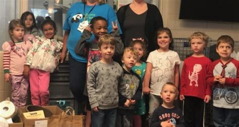 parkway preschoolers give back west newsmagazine 734 | Early Childhood service project 620x330