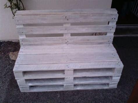 canapé en palette de bois canapé en palette bois blanchi de atelier bois ardennes