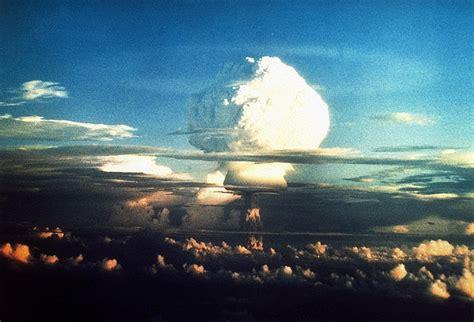 the Tsar Bomba (1961) | Explosions | Pinterest | Cold war ...