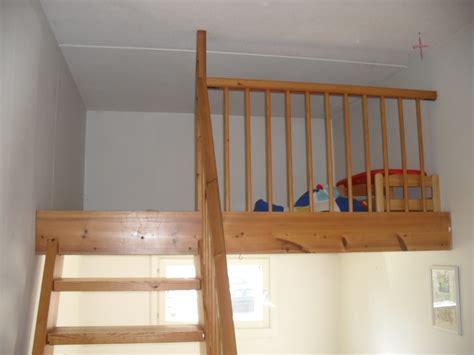 deco chambre mezzanine chambre en mezzanine solutions pour la d 233 coration