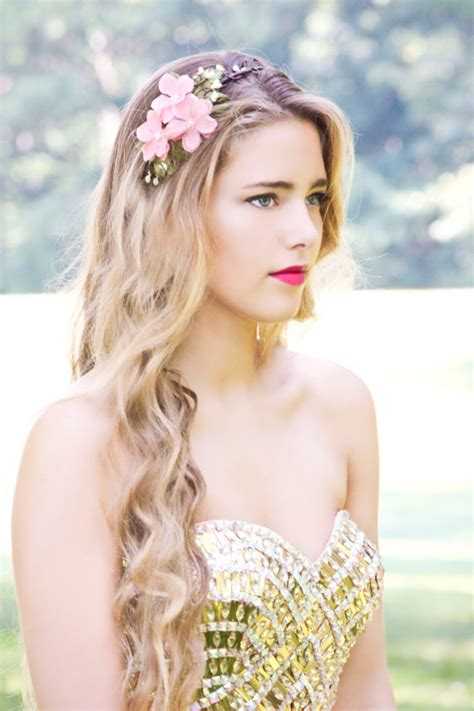 Beautiful Wedding Hairstyles With Floral Crowns